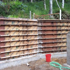 Concrete retaining walls setup