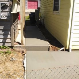Concrete pathway and step