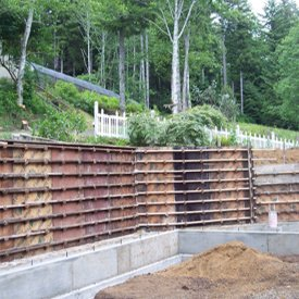 Concrete retaining walls